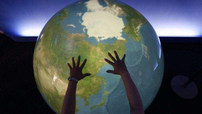 IMF Pangkas Proyeksi World, RI Bisa Kecipratan Untung